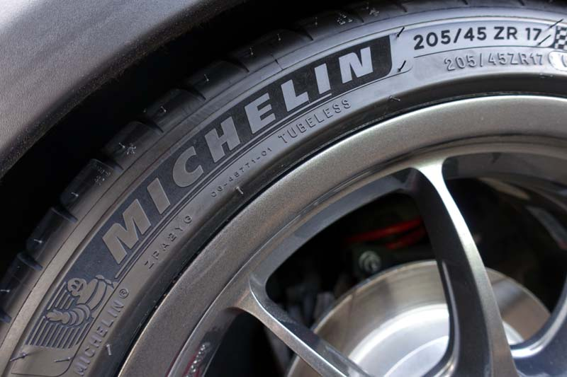 Bridgestone Potenza Re050A >> Michelin Pilot Sport4 <205/45-17 88(Y) XL>